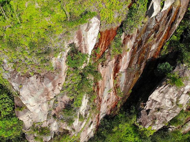 錦竜の滝-空撮2