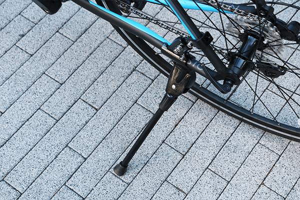 ロードバイク-キックスタンド